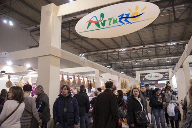 Trenta aziende dell artigianato abruzzese in mostra a for Fiera dell arredamento milano