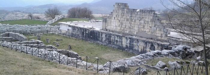 Scavi-archeologici-di-Pietrabbondante.jpg